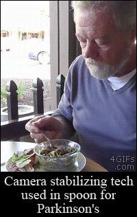 E uma colher que ajuda alguém com Parkinson a comer