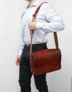 """Мужские сумки ручной работы. Ярмарка Мастеров - ручная работа. Купить Мужская кожаная сумка """"Вильям"""" (коньячный цвет).. Handmade."""