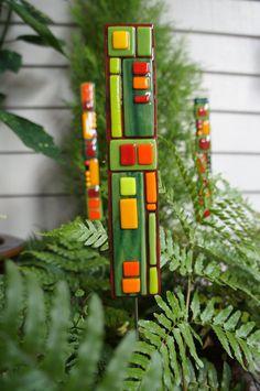 Outdoor Home Decor Garden Art - Red Green Orange Fused Glass Art Stake.