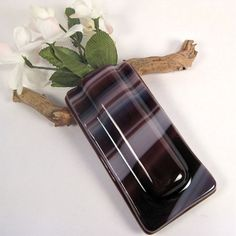 Image from http://www.theartzoo.com/pictures/decor/fused-glass-vase-09.jpg.