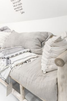 Amsterdam trip without visit at Sukha Amsterdam store is nothing. It's a store where the magic happen with natural materials & . Wabi Sabi, White Washed Floors, Linen Couch, Zen Space, Home Organisation, Living Styles, Crochet Home, Room Inspiration, Decorating Your Home