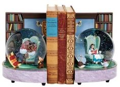 Welcome to the Collectors Guide to Disney Snowglobes.  Information on over 2900 Disney snowglobes.