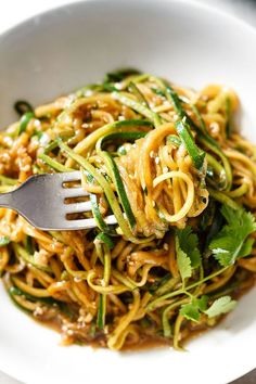 Get your fat-burning zucchini noodles ready in 20 minutes or less and 100% gluten-free.