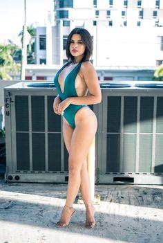 Sexy Bikini, Bikini Noir, Bikini Girls, Jolie Lingerie, Women Lingerie, Curvy Women Fashion, Sexy Legs, Sexy Outfits, Fit Women