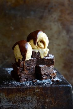 How amazing are these Gluten free cashew nut brownies from Bibbyskitchenat36 http://www.bibbyskitchenat36.com/gluten-free-cashew-nut-brownies/