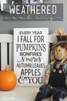 Easy DIY weathered wood sign tutorial - Love this fall decor!