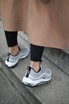 Sneakers | Nike | Sport | Streetstyle | Trenchcoat | Grey | More on Fashionchick