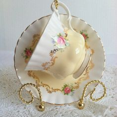 Vintage Royal Albert Tea Cup and Saucer/Invitation Series/Montrose Shape/Buttercup Yellow/Cottage Style/Bridal Gift from MariasFarmhouse on Etsy. Antique Tea Cups, Vintage Cups, Vintage China, Tea And Crumpets, Yellow Cups, Yellow Cottage, Teapots And Cups, China Tea Cups, My Cup Of Tea