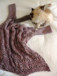 omⒶ KOPPA: Mandala squares pullover: knitted sleeves