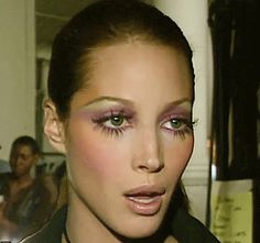 When supermodels ruled the world — Christy Turlington 90s Makeup, Cute Makeup, Pretty Makeup, Makeup Art, Makeup Looks, Hair Makeup, Beauty Make-up, Beauty Hacks, Hair Beauty