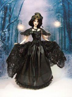"""Robe """" Gothique N°12 """" tenue pour poupée  f3788"""