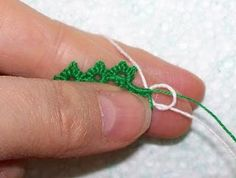 Tatting How-to: Adding a New Thread