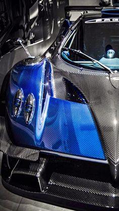 Pagani Zonda Revolution blues carbon fiber