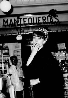 Audrey shopping in Madrid, 1964. HAPPY BIRTHDAY AUDREY! ~ 4 May 1929 – 20 January 1993