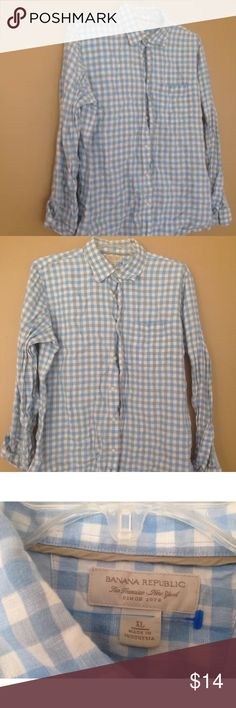 BANANA REPUBLIC Blue White Check Soft Wash XL Buyer gets this awesome pre owned blue white checkered Banana Republic soft button down long Sleeve Shirt SIZE MENS Xtra Large 25 inches from arm pit to arm pit 30 inches top of collar to hem Great Shape No Holes Tears or stains Banana Republic Shirts Casual Button Down Shirts