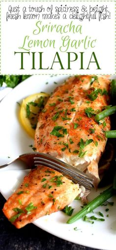 Classic fish seasonings come together with the help of sriracha to create a baked tilapia worthy of the highest praise. Boring fish recipes be gone; say hello to Sriracha Lemon Garlic Tilapia! People often ask me how it is I often… Lemon Garlic Tilapia Recipe, Keto Tilapia Recipe, Fish Recipes, Seafood Recipes, Dinner Recipes, Easy Tilapia Recipes, Talapia Recipes Healthy, Gastronomia, Vegetarische Rezepte