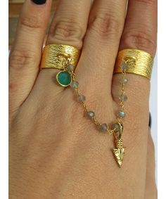 Two finger adjustable band ring with labradorite and arrowhead charm