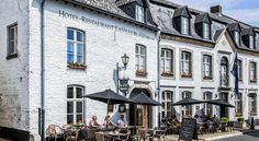 Fletcher Hotel La Ville Blanche Thorn Featuring free WiFi and a terrace, Fletcher Hotel La Ville Blanche offers pet-friendly accommodation in Thorn, 36 km from Maastricht. Free private parking is available on site.  All rooms are equipped with a TV.