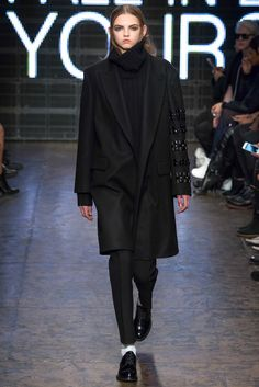 DKNY - Fall 2015 Ready-to-Wear - Look 35 of 40