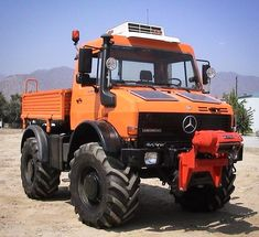 Discover recipes, home ideas, style inspiration and other ideas to try. Mercedes Benz Unimog, Mercedes Truck, Daimler Ag, Daimler Benz, 4x4 Trucks, Cool Trucks, Custom Trucks, Unimog U4000, Pick Up