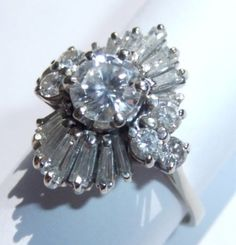 VINTAGE SOLID 18K WHITE GOLD DIAMOND BALLERINA RING w/ over 2 carats of diamonds.