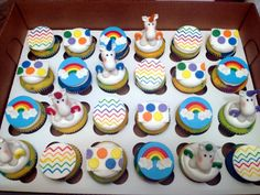 Rainbow/Unicorn party! cupcakes by dusty