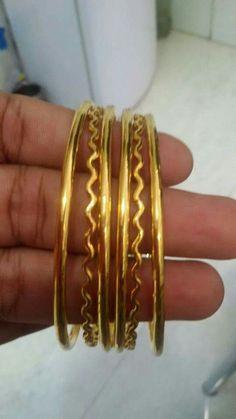 J Gold Chain Design, Gold Bangles Design, Jewelry Design, Wedding Jewelry, Gold Jewelry, Jewelery, Bangles Making, Jewelry Model, Diamond Bangle