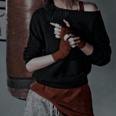 Badass Aesthetic, Bad Girl Aesthetic, Character Aesthetic, Aesthetic Photo, Applis Photo, Mafia, Character Inspiration, Men Sweater, How To Wear