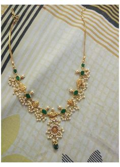 Pearl Necklace Designs, Jewelry Design Earrings, Gold Earrings Designs, Simple Necklace Designs, Gold Haram Designs, Beaded Jewelry Designs, Bead Jewellery, Gold Bangles Design, Gold Jewellery Design