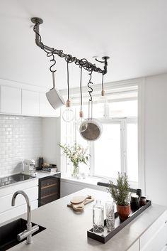 RackBuddy Joey Tøjstativ i Loft Kitchen Organization, Kitchen Storage, Credence Adhesive, Kitchen World, Scandi Chic, Nordic Design, Industrial Style, New Homes, Dining Room