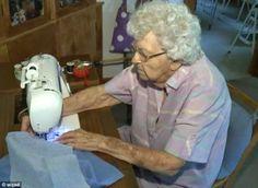 Mujer de 99 años cose vestidos para niñas necesitadas ~ Para seguir creciendo