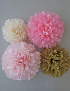 Pink & Gold Tissue Paper Pom Poms 4 Piece por PrettywithSprinkles