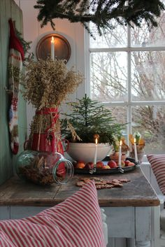 Farmhouse cottage christmas decor crafts 21 ideas Farmhouse cottage christmas decor crafts 21 ideas,Weihnacht Farmhouse cottage christmas decor crafts 21 ideas decor ideas furniture wall decor decor home decor Primitive Christmas, Farmhouse Christmas Decor, Noel Christmas, Country Christmas, Winter Christmas, Holiday Decor, Farmhouse Decor, Farmhouse Ideas, Christmas Vignette
