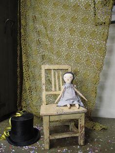 Chaise de l'Est Beige by LES PETITS BOHEMES