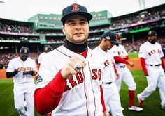 I love my small town world, I love a country girl. I love a Friday night, man, I love this life. Boston Sports, Boston Red Sox, Marathon Laufen, Andrew Benintendi, Red Sox Nation, Red Sox Baseball, World Of Sports, Best Player, Biceps