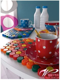 Como hacer manteles para mesa con tapas de plastico