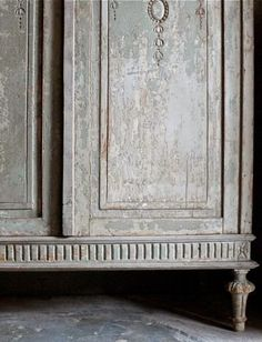 Rescue. Restore. Redecorate.: Applying Liming Wax to a Kitchen Cabinet