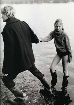 vogue-i-s-my-religion:80s-90s-supermodels:  Harper's Bazaar US, October 1995Model: Kate Moss   http://vogue-i-s-my-religion.tumblr.com