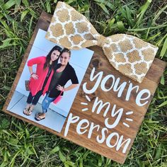 gift for bff Greys Anatomy You're My Person BFF Friendship Picture Frame Diy Best Friend Gifts, Diy Gift For Bff, Surprise Gifts For Him, Handmade Gifts For Friends, Birthday Gifts For Best Friend, Bff Gifts, Friendship Pictures, Friendship Gifts, Greys Anatomy Gifts