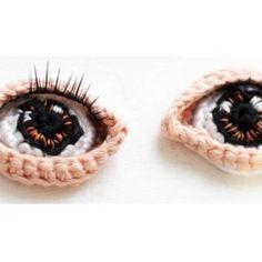 A self portrait made in crochet Part 2 - Amigurumi patterns Crochet Eyes, Crochet Art, Crochet Animals, Crochet Crafts, Crochet Dolls, Crochet Projects, Free Crochet, Crochet Turtle, Crochet Amigurumi Free Patterns
