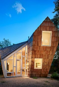 Cedar Shake Cottage – Tiny Home by Studio 512