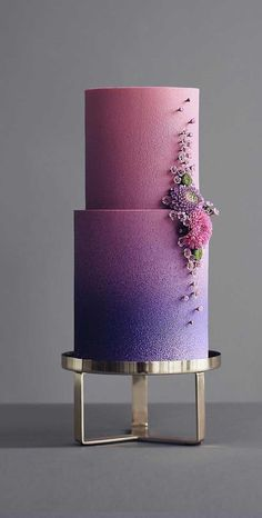 79 wedding cakes that are really pretty! - Gorgeouz Cakez - The cake is probably the most admired element of the wedding. There's a reason why it's placed - Pretty Wedding Cakes, Floral Wedding Cakes, Unique Wedding Cakes, Wedding Cake Designs, Pretty Cakes, Hexagon Wedding Cake, Painted Wedding Cake, Purple Cakes, Ombre Cake