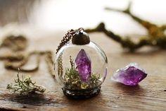 A Ruby Robin Boutique é uma loja virtual de jóias botânicas cuja matéria prima principal são pequenos e delicados elementos da natureza.