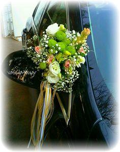 car wedding flowers decoration Flowers Decoration, Wedding Flower Decorations, Wedding Flowers, Table Decorations, Car Wedding, Furniture, Home Decor, Decoration Home, Room Decor