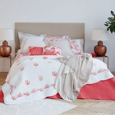 WAVY EDGE CONTRASTING CORAL EMBROIDERED CUSHION COVER AND QUILT - Bedroom - New Collection | Zara Home United States of America