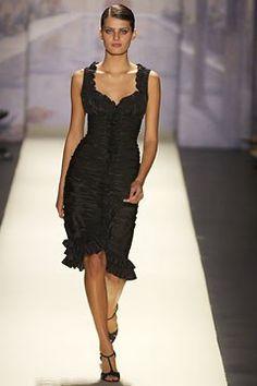 Oscar de la Renta Spring 2003 Ready-to-Wear Fashion Show - Oscar de la Renta, Isabeli Fontana