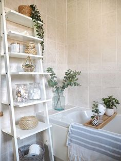 Small bathroom makeover using accessories only, no decorating. Ladder shelves, candles, houseplants and bath tray Bathroom Styling, Bathroom Interior Design, Simple Bathroom, Bathroom Ideas, Bathroom Tray, Bathroom Makeovers, Bathroom Organization, Zebra Bathroom, Bathroom Candles