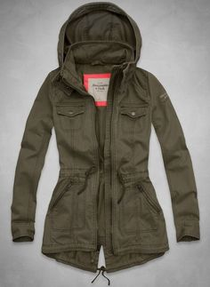 Nice spring jacket. I like this military green color - that usually looks good on me. NLM
