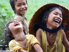 Улыбка - Tiếng cười - A good laugh is sunshine in a house. Happy Smile, Smile Face, Make You Smile, Happy Faces, I'm Happy, Precious Children, Beautiful Children, Beautiful Smile, Beautiful People