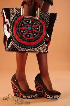 Accesories, Jewerly & Fashion: How should we combine handbags and wallets? African Inspired Fashion, African Print Fashion, Africa Fashion, African Prints, African Attire, African Wear, African Style, African Accessories, Fashion Accessories